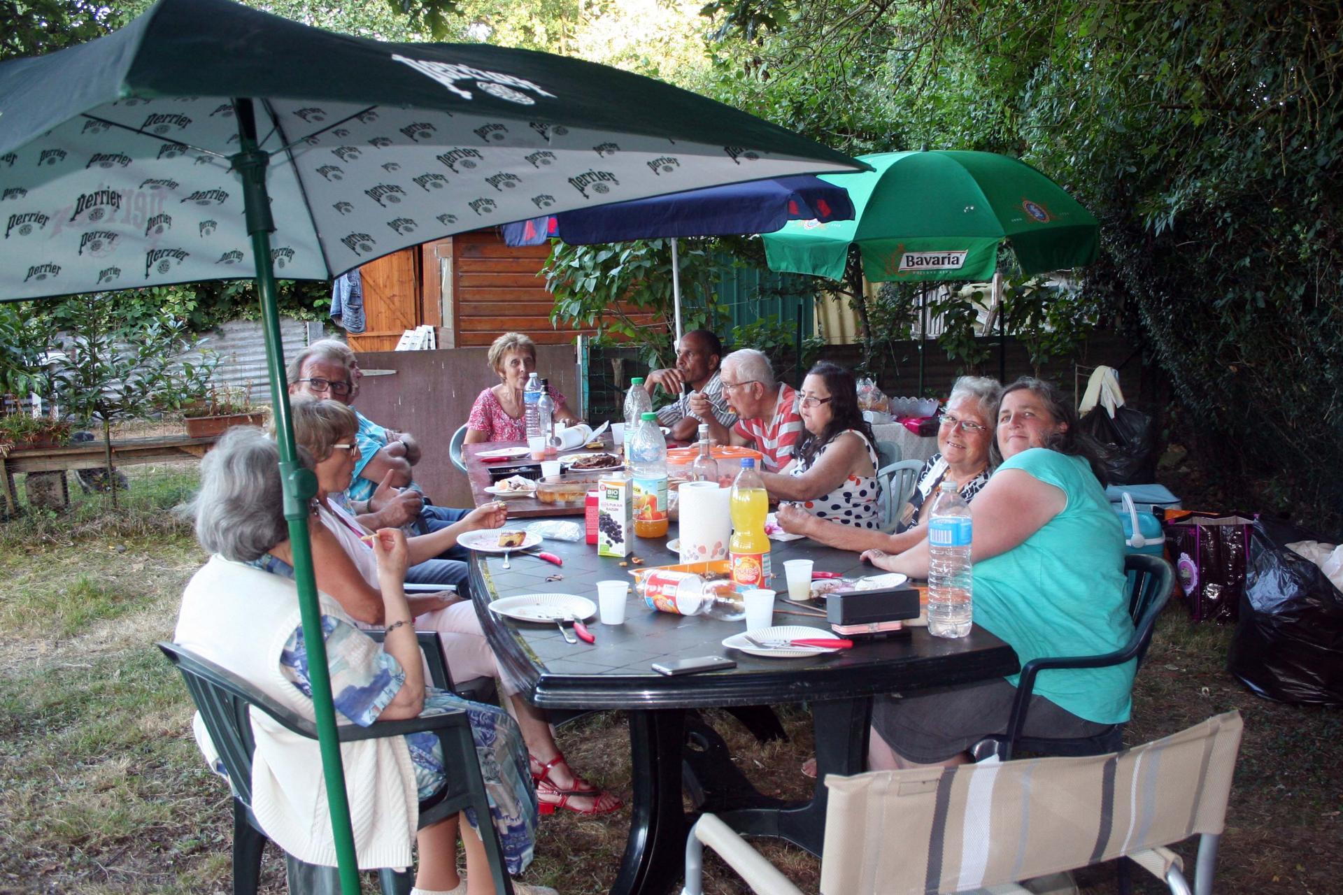 Association des jardins familiaux de laval for Entretien jardin laval 53